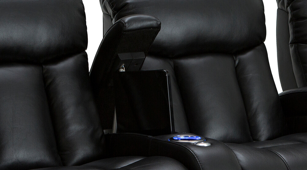 seatcraft-grenada-front-row-seating-05.jpg