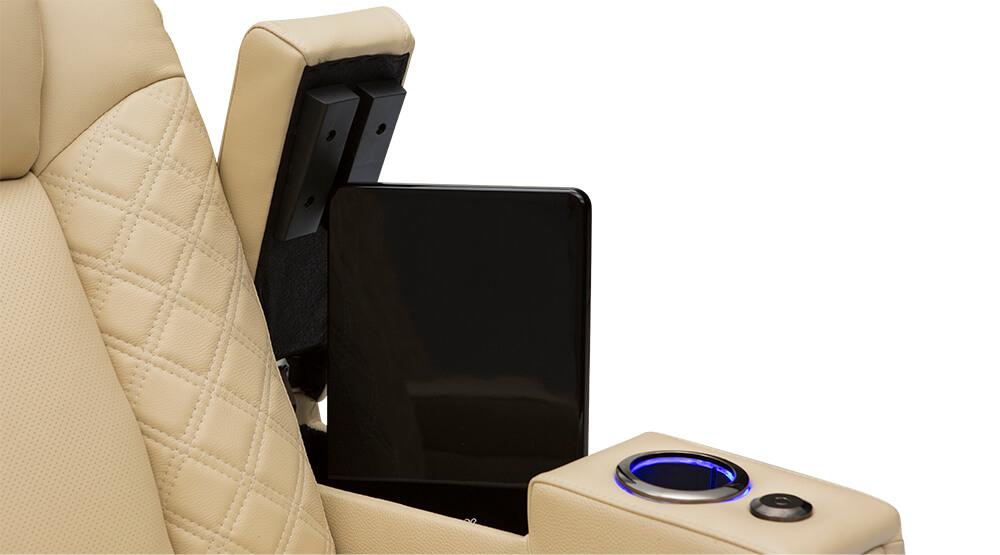 seatcraft-enigma-gal-inarm.jpg