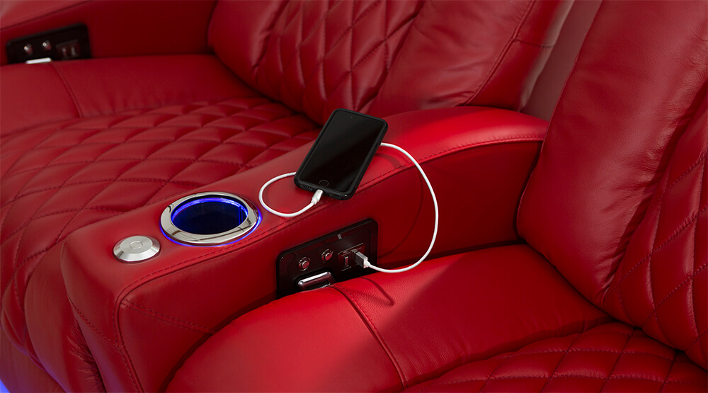 seatcraft-yc-stanza-red-usb-charging-gallery-01.jpg